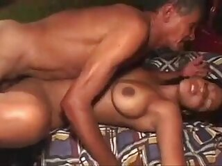 Horney Indian girl enjoy sex with old mature man www.desixnx.com